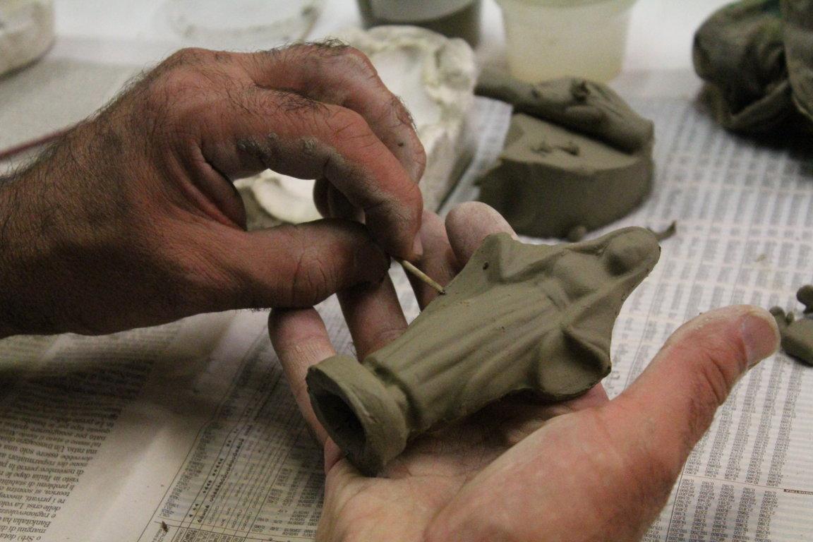 Sessione primaverile dei corsi di Macachi, le statuine del presepe di Albisola